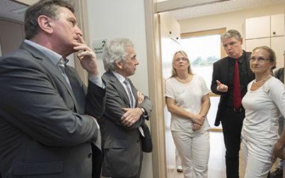 Sozialminister Manne Lucha informiert sich über AOK-Haus- und Facharztprogramm